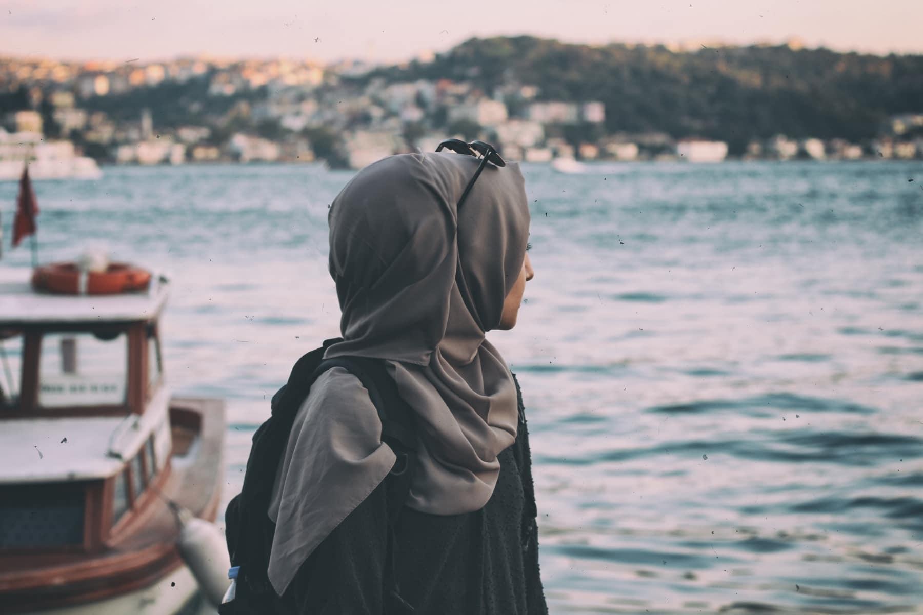 Zašto islam ponižava ženu naređujući joj da nosi hidžab?