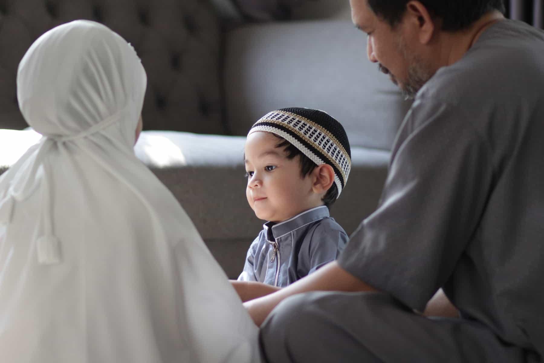 Zašto islam zabranjuje ženi da ima više od jednog muža?