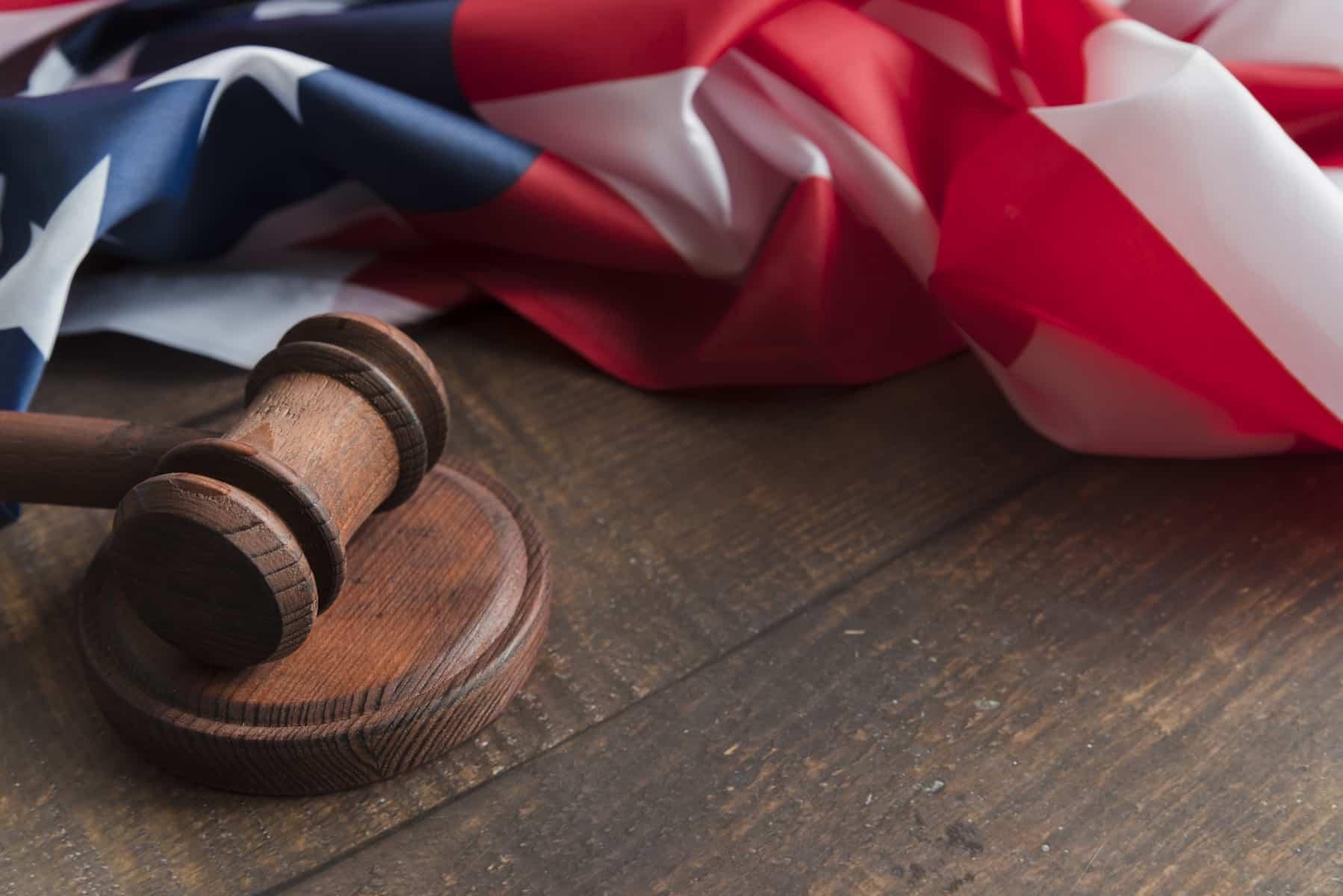 Da li je muslimanu dozvoljeno da mu se sudi po neislamskim zakonima