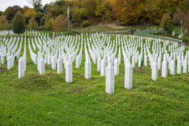 Ako je spaljivanje mrtvih tijela je bolje od ukopavanja, zašto muslimani zakopavaju umrle?