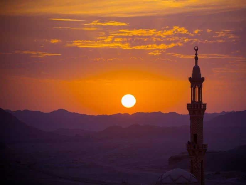 Islamski sanovnik   Snovi na slovo I Značenje snova u islamu Islamski sanovnik Sanovik na slovo I Najtačnije tumačenje snova Sanjati na slovo I Značenje snova